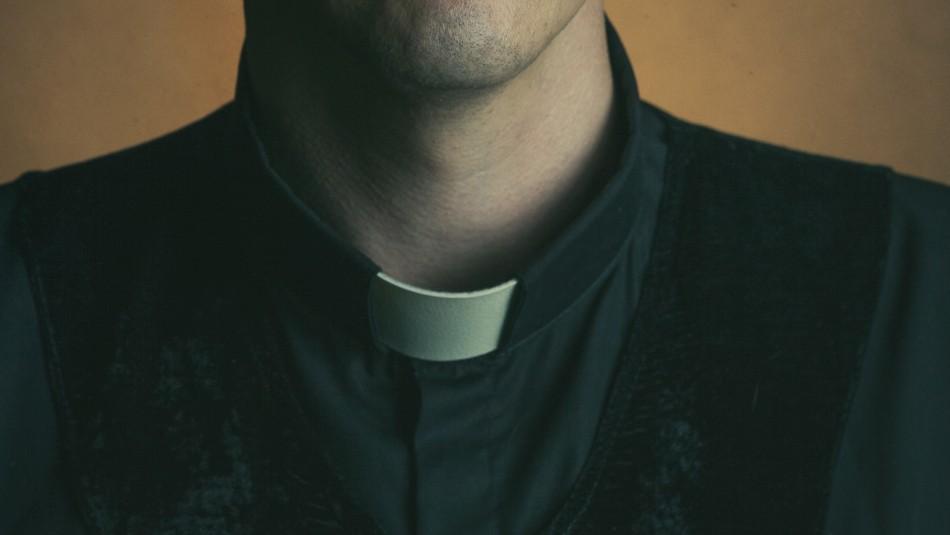 Padre golpeó a sacerdote y le fracturó el cráneo tras verlo acosando sexualmente a su pequeño hijo