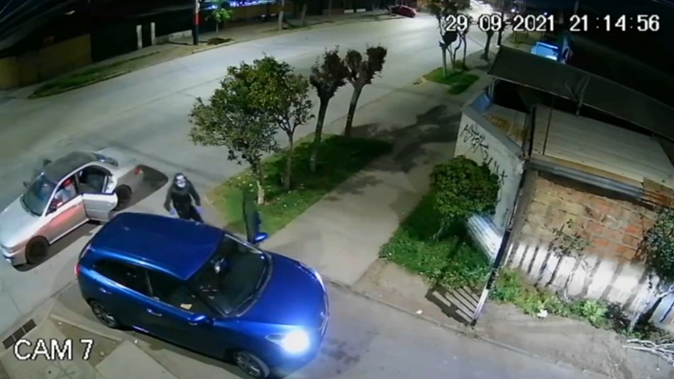 Video muestra cómo delincuentes ahorcan a una mujer para robarle su vehículo en San Ramón