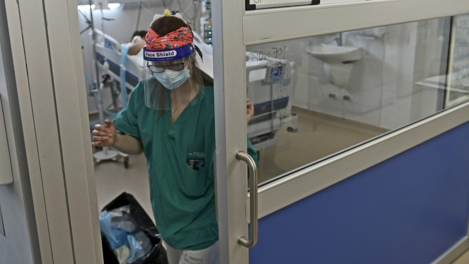 La cifra más alta desde mediados de agosto: Minsal informa 895 nuevos casos de coronavirus