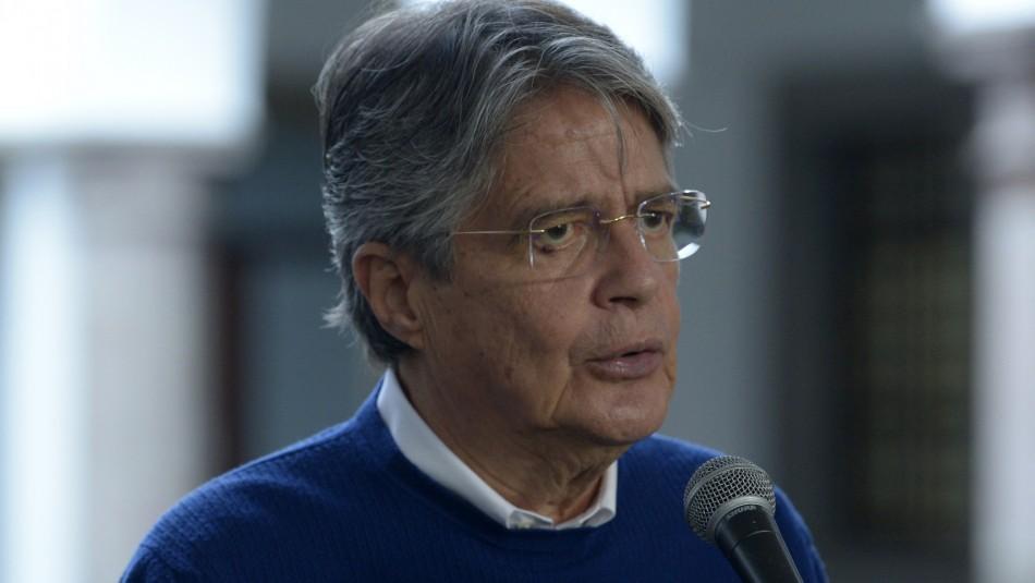 Presidente de Ecuador reconoce que tuvo inversiones en el exterior tras revelación de los Pandora Papers