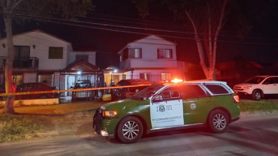 Carabinero logra frustrar portonazo en Maipú: Víctimas fueron golpeadas en el suelo y amenazadas con armas