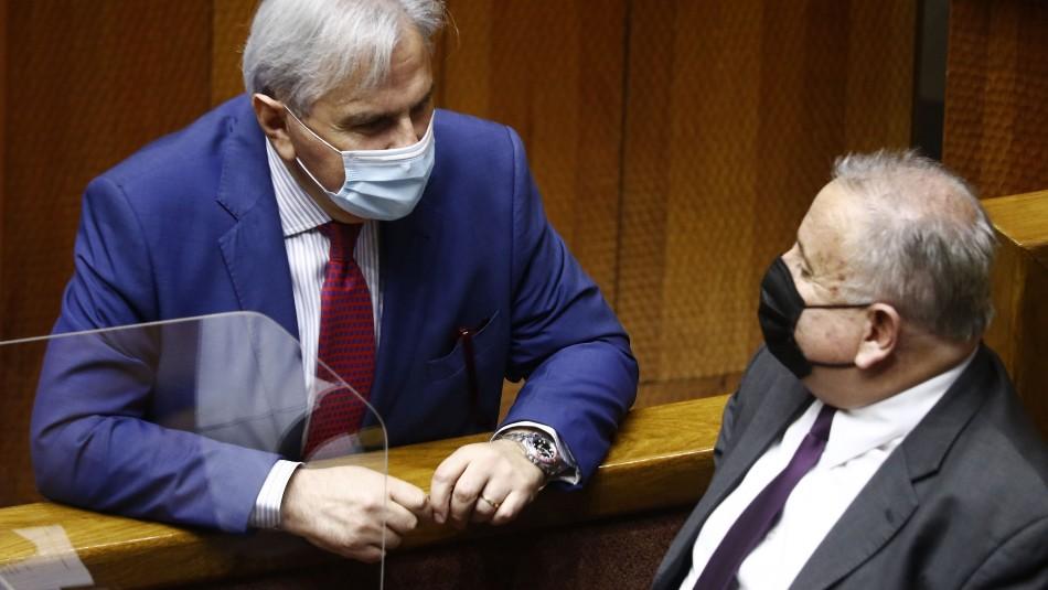 Senadores UDI presentan su propio proyecto para el retiro del 100% de los fondos de pensiones