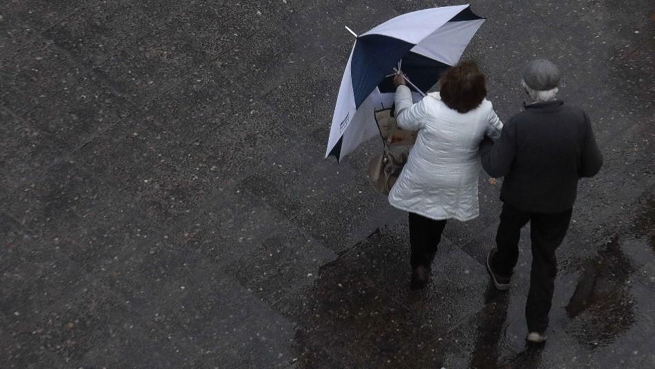 Lluvia en Santiago: la cantidad de precipitaciones que se esperan para este viernes y sábado