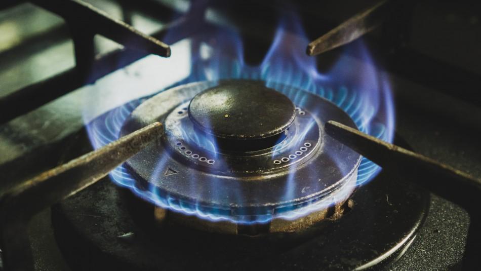 Fiscalía Económica emite duro informe contra mercado del gas y propone cambios para bajar precios