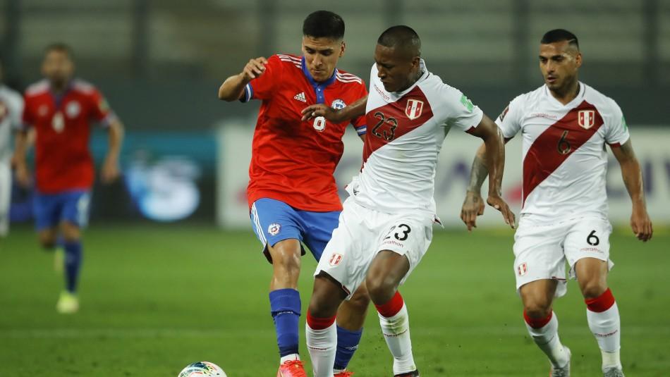 Una desdibujada selección chilena pierde ante Perú y se aleja del sueño mundialero