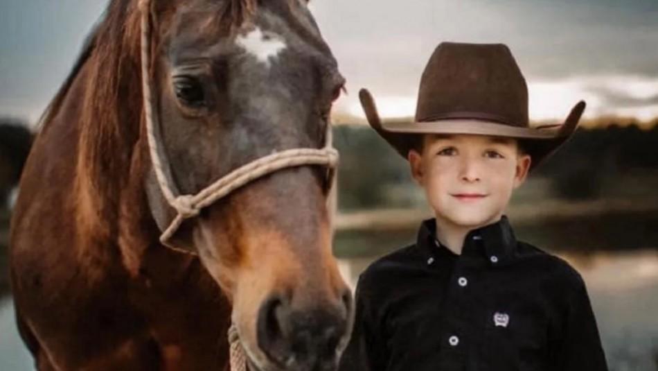 Niño de 10 años muere tras sufrir accidente a caballo en un rodeo: