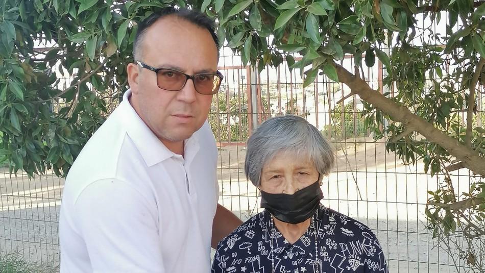 Devolvió todo: Chofer encontró a pensionada que había perdido su dinero y documentos en micro de Valparaíso