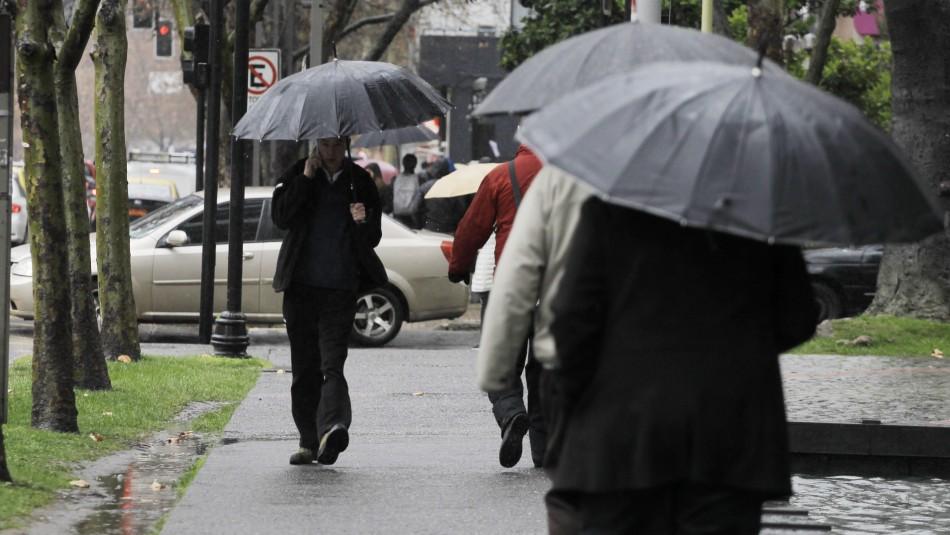 Lluvia en Santiago: Conoce cómo serán las precipitaciones que podrían afectar este jueves a la capital