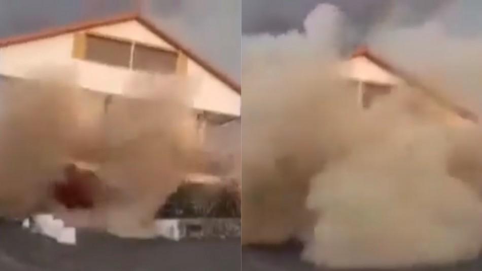 Video muestra impactante derrumbe de una casa por la lava del volcán Cumbre Vieja