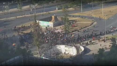 Incidentes en Plaza Italia generan desvíos de tránsito y cierre de accesos a estación de Metro